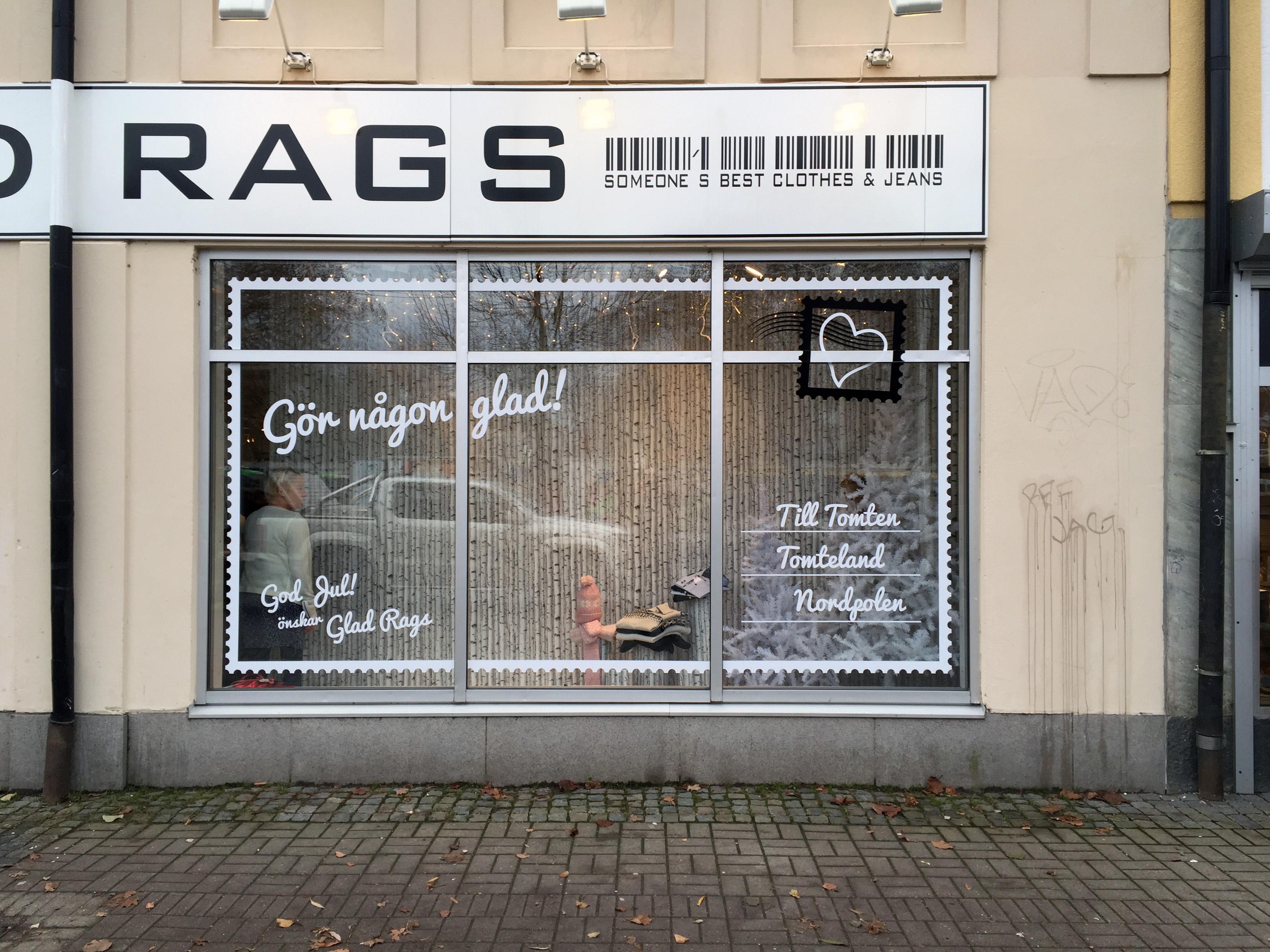 Julskyltning Skyltfönster Klädbutiken Glad Rags i Katrineholm